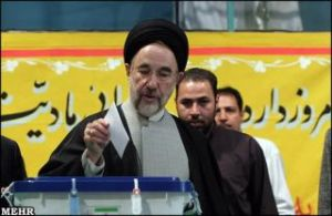 Khatami Votes in 2008 2nd Round Parliamentary Elections