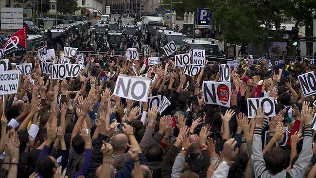 478259-spain-protests