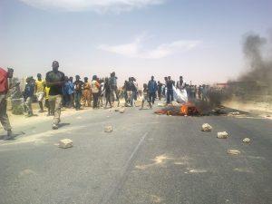 22 Apr 13 Porters in Nouakchott protesting in Mauritania