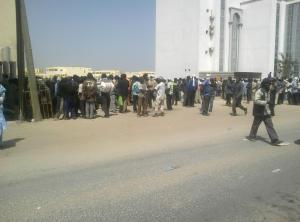 24 Apr 13 Mauritania dockers decide to stay at the ministry until the new deal is signed