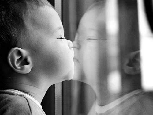 Baby-Kissing-on-Mirror-e1357334392523