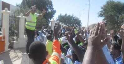 Protesting mine workers outside Tasiast HQ Nouakchott